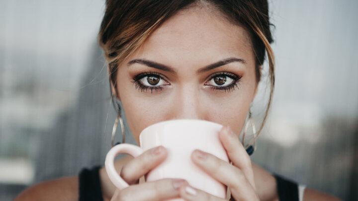 Come truccare gli occhi marroni: consigli e ispirazioni